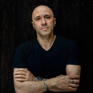 Giovanni Pellone - Creative Director in Tokyo